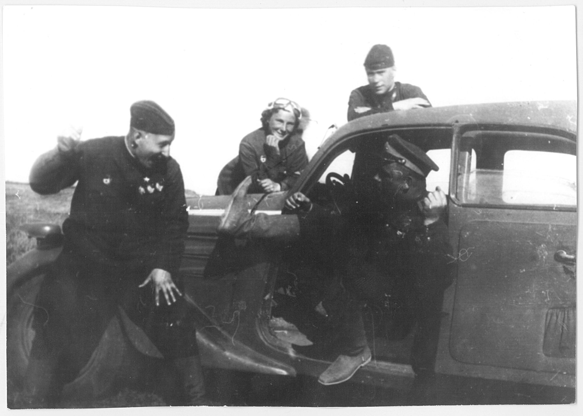 Sasha Martynov, Nikolai Baranov, Lilya and Salomatin. Was almost certainly taken in early May 1943