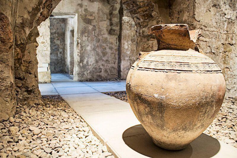 Baños del alcázar califal viaje arqueológico a la Córdoba califal Pausanias