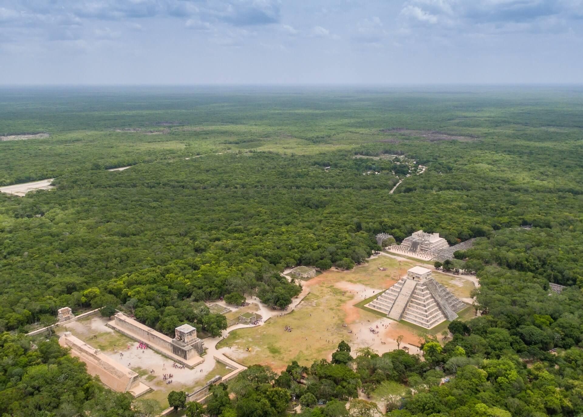 viaje arqueológico al mundo maya Chichen Itzá