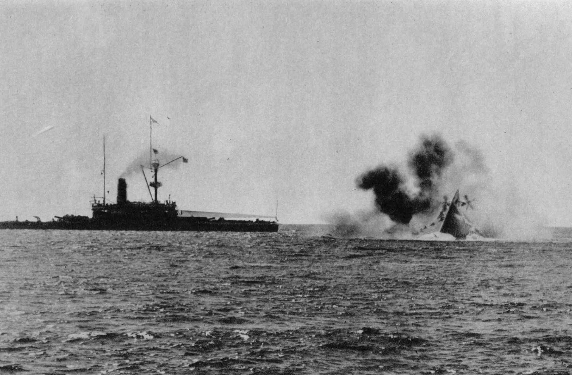 hundimiento HMS Victoria HMS Camperdown
