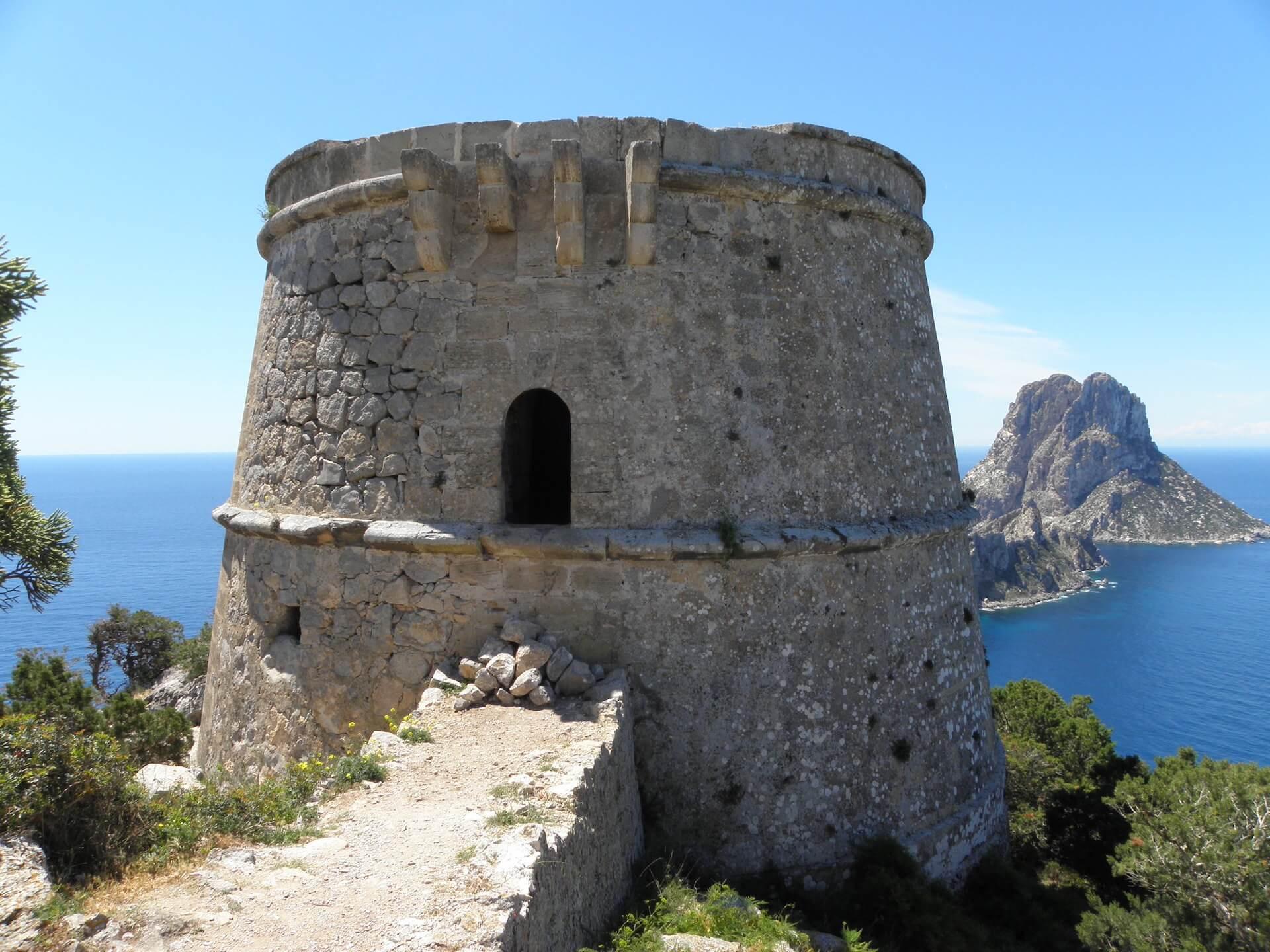 torres defensivas en Ibiza