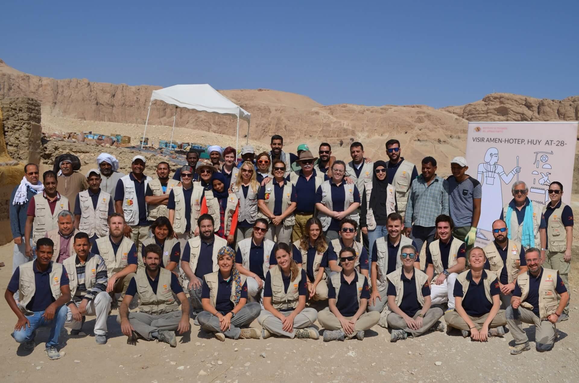 Teresa Bedman Francisco J. Martín Valentín Instituto de Estudios del Antiguo Egipto Misión Arqueológica Española Proyecto Visir Amen-Hotep Huy