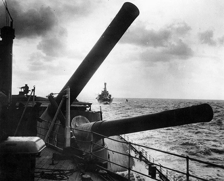 HMS Hood Royal Navy hundir al Bismarck